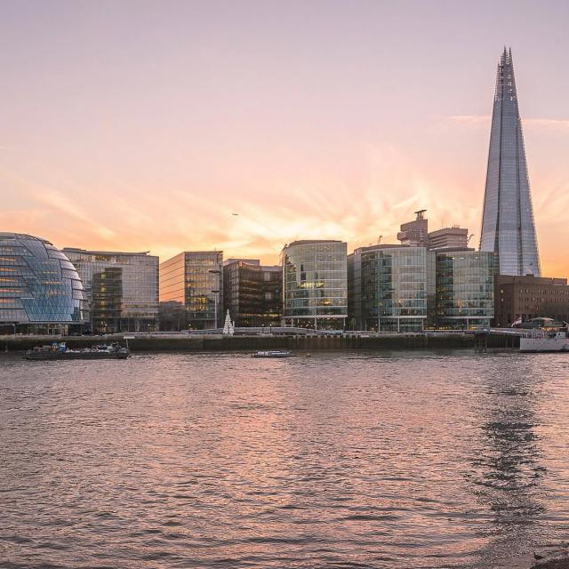 Минимум зарплаты чтобы прожить в лондоне